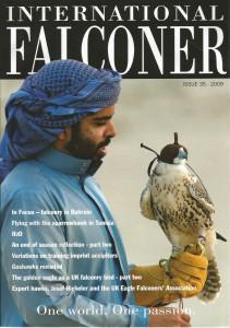 Artículo sobre la caza con gavilán en Túnez. (English)